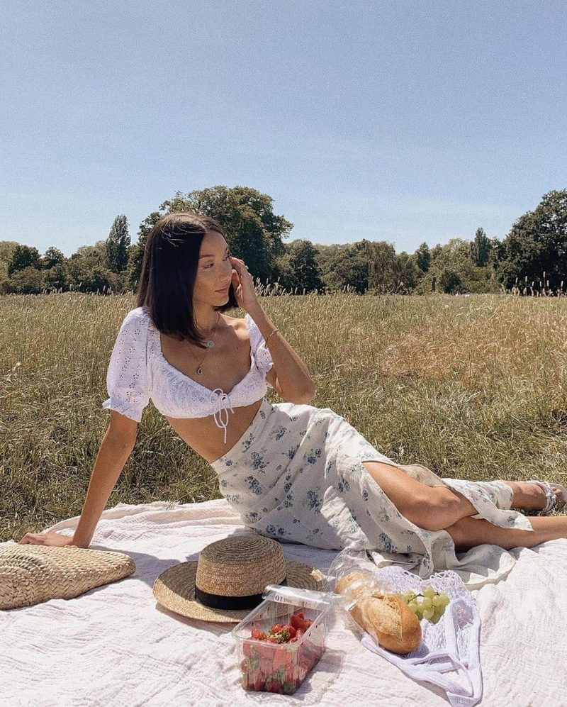 Picnics are better without bugs